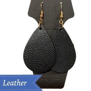 🎀Black 100% Leather Tear Drop Earnings
